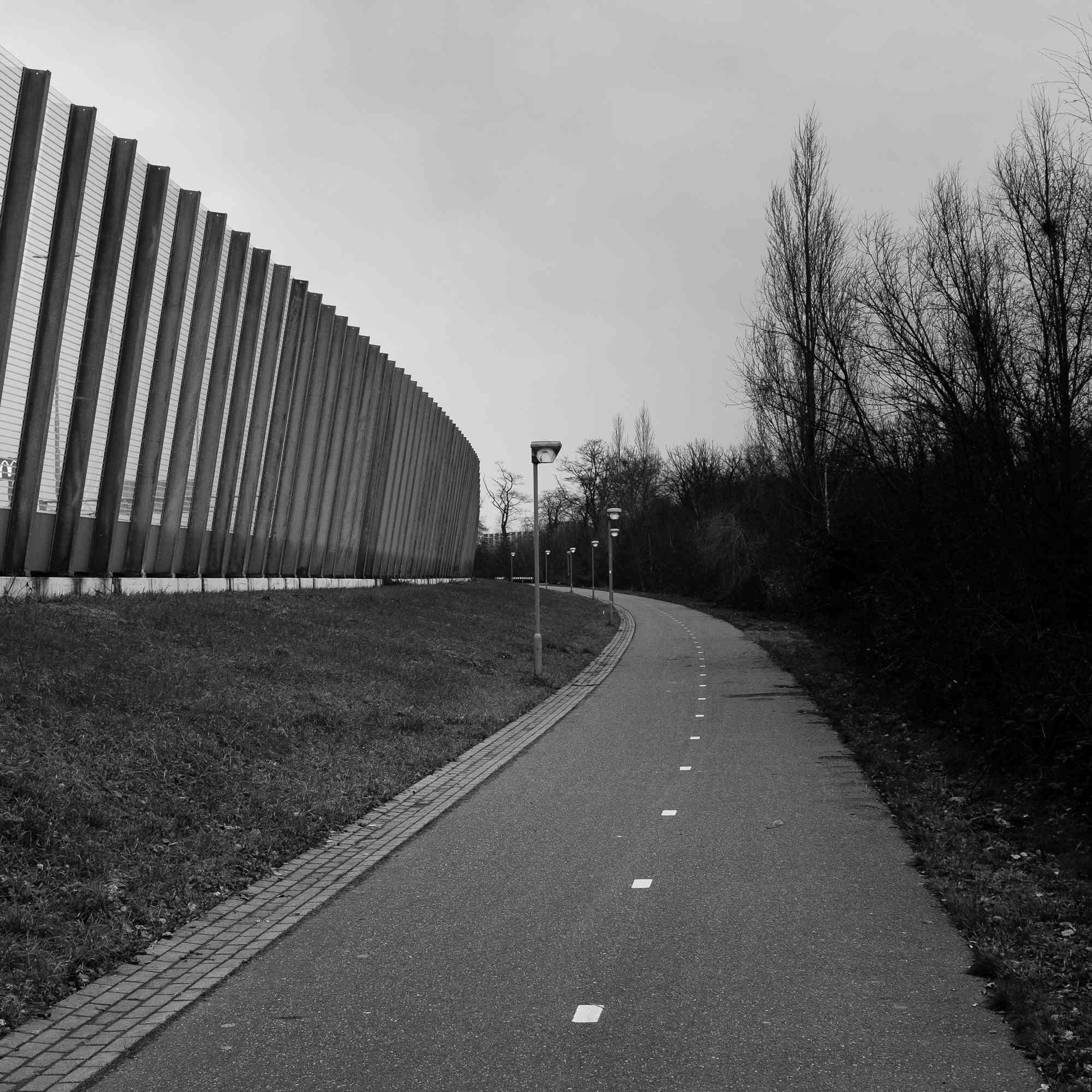 A bike road next to a freeway in Tegelen, NL
